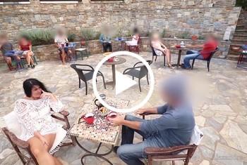 Alexandra-Wett: Publik extrem! Mitten im Restaurant gefickt!!!