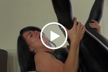 Alexandra-Wett: Leder-Anal Spermaschlacht! Fick die Lederschlampe!