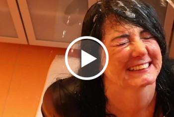 Alexandra-Wett: LITERWEISE SPERMA UND PISSE FÜR MEINE FICKFRESSE!