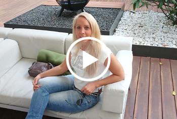 AnnabelMassina: Ficken während meine Freundin im Bad ist