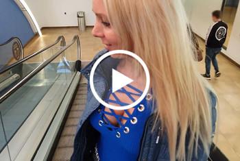 AnnabelMassina: Mitten auf dem Konzert gefickt