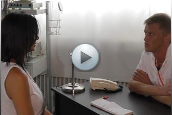 Dacada: Besuch beim neuen Frauenarzt