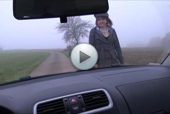 DonJohnXXX: Girl entführt. polizistin hält auto an u will in den kofferraum gucken... geiler 3er 2 girls ein m