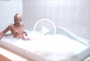 DonJohnXXX: Geile blondine gefickt im hotel whirlpool im spa bereich