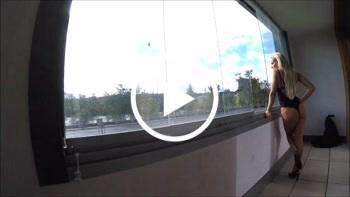 DonJohnXXX: Mega public auf d Balkon gefickt mit neuer mega geiler Blondine ohne Gummi u schön geschluckt.