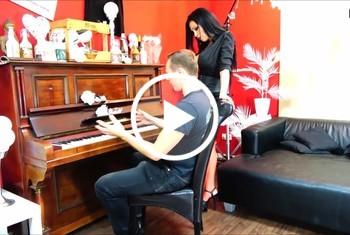 DonJohnXXX: Klavierstunde mit sex bezahlt anal pussy sperma am klavier mit geilem girl