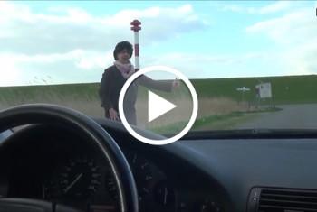 DonJohnXXX: Geile Milftramperin mitgenommen u gefickt auf d Motorhaube