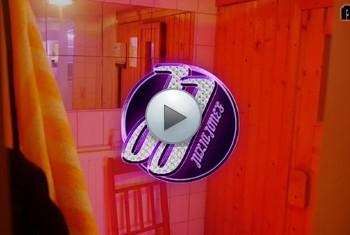 Gewichst sauna in der Ficken in