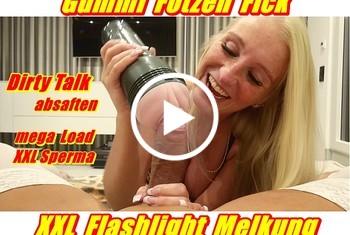 KacyKisha: Gummi Fotzen Fick - XXL Flashlight Melkung