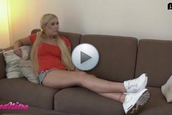 LenaNitro: 18 Jährige TEENIE-SCHLAMPE macht das Hotelpersonal heiß