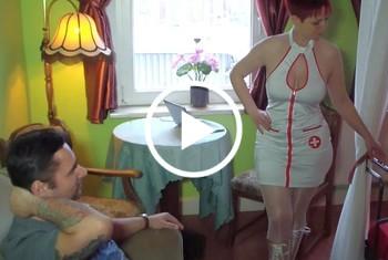 MelissaDeluxe: 3 Schwänze für die Schwester in der Fick Klinik. Teil 1...