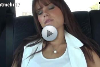 Nichtmehr17: Taxi Blowjob, Facial und Sperma schlucken.