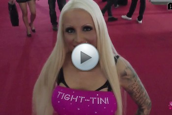 Tight-Tini: Venus 2015 - Sex-Skandal - Besucher auf der Messe gefickt