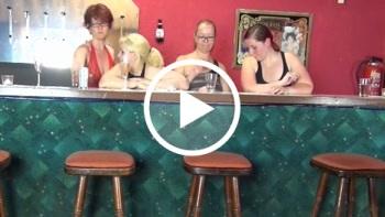 naturalchris: Coyote Ugly - Wir ficken an der Bar