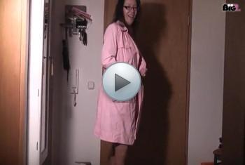 naturalchris: Nackt vor der Tür