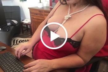 nipplequeen: Faustfick im Homeoffice - zwischen den Meetings wird es versaut