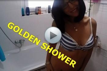 sexyrachel84: Golden Shower